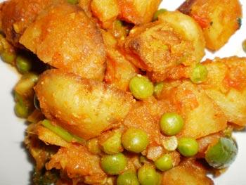 Dum Aloo   Alu Dum  Fried Potato Curry